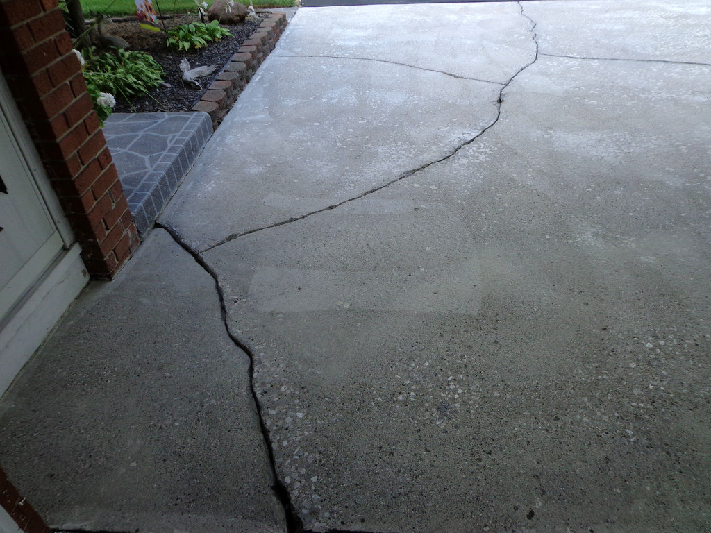 5 Warning Signs Your Concrete Pavement Needs Immediate